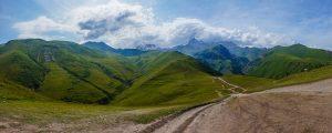 Gruzínské hory jsou stále pro mnoho turistů neznámé. Jejich návštěva však stojí za to.